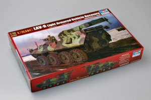 TRUMPETER 00370 1:35 USMC LAV-R Light Armored Vehicle Recovery