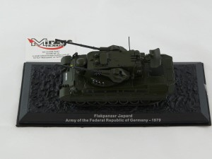 DIE-CAST #30 1:72 FLAKPANZER GEPARD  ARMY OF THE FEDERAL REPUBLIC OF GERMANY - 1979
