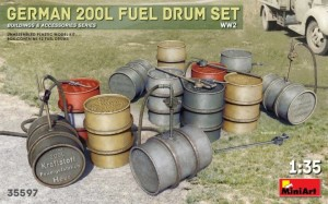 MINIART 35597 1:35 GERMAN 200L FUEL DRUMS