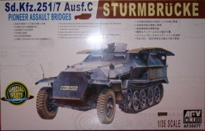 AFV CLUB 35077 1:35German Sd Kfz 251/7 Ausf C Pionierwagen