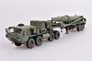 MODELCOLLECT AS72110 1:72 U.S. Army M983 Hemtt tractor and Pershing II tactical missile  [Die-Cast]